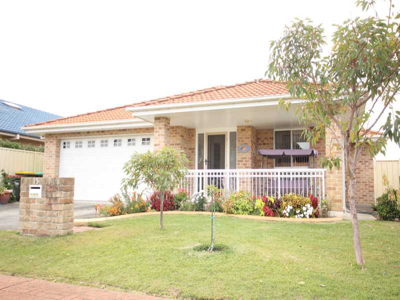 Photo of 15 Robina Grove FORSTER, NSW 2428