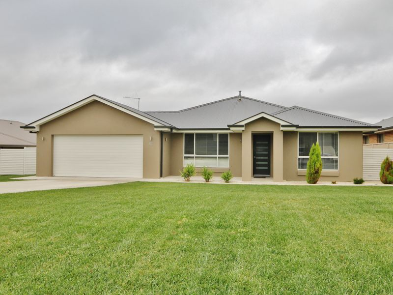 Photo of 41 Cheviot Drive KELSO, NSW 2795