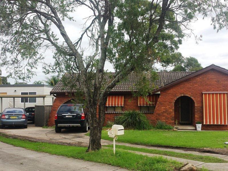 Photo of 17 Benaud Court ST CLAIR, NSW 2759