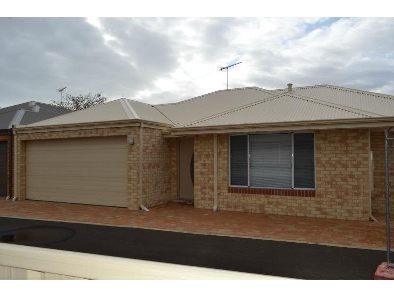 Picture of 6/7 Cambrose Avenue, Australind
