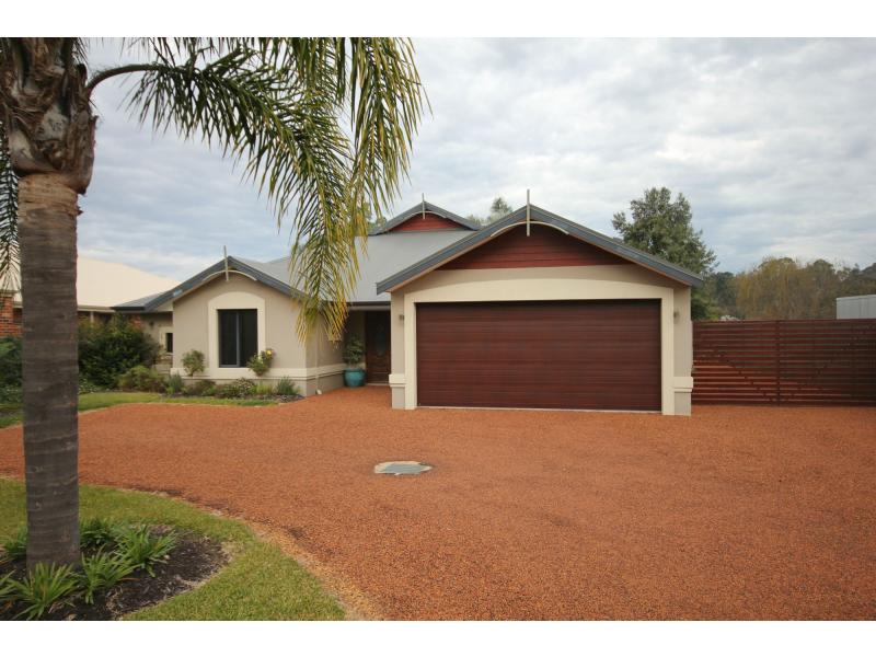 Picture of 15 York Road, Collie