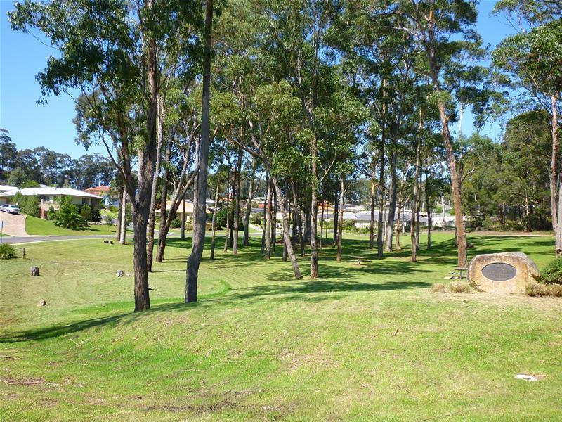 Photo of 33 Wentworth Avenue Sunshine Bay, NSW 2536
