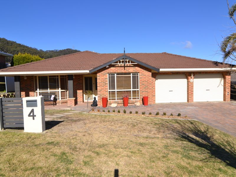 Picture of 4 Robinia Drive, Lithgow