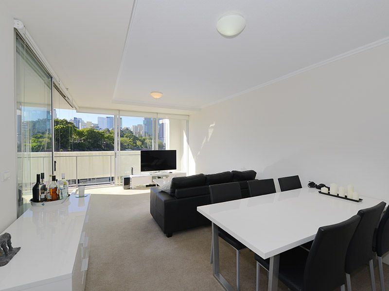 Picture of 3 Parkland Boulevard, Brisbane