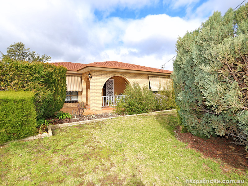 Picture of 8 Lonergan Place, Wagga Wagga