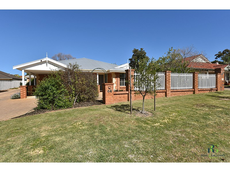 Picture of 1/44 Kingsall Road, Attadale