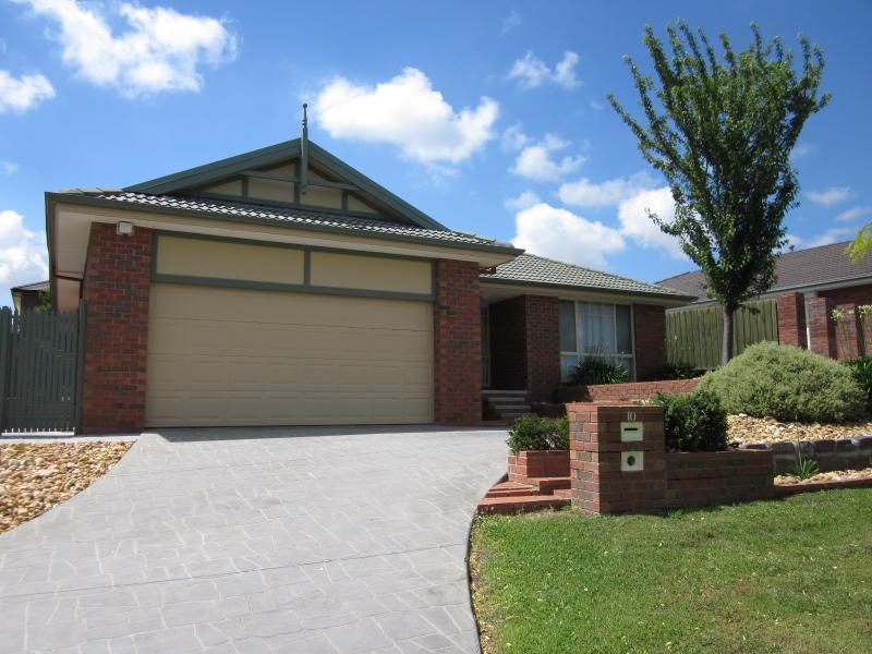 9 ROCHFORD PLACE, Narre Warren South VIC, Australia - Property ...