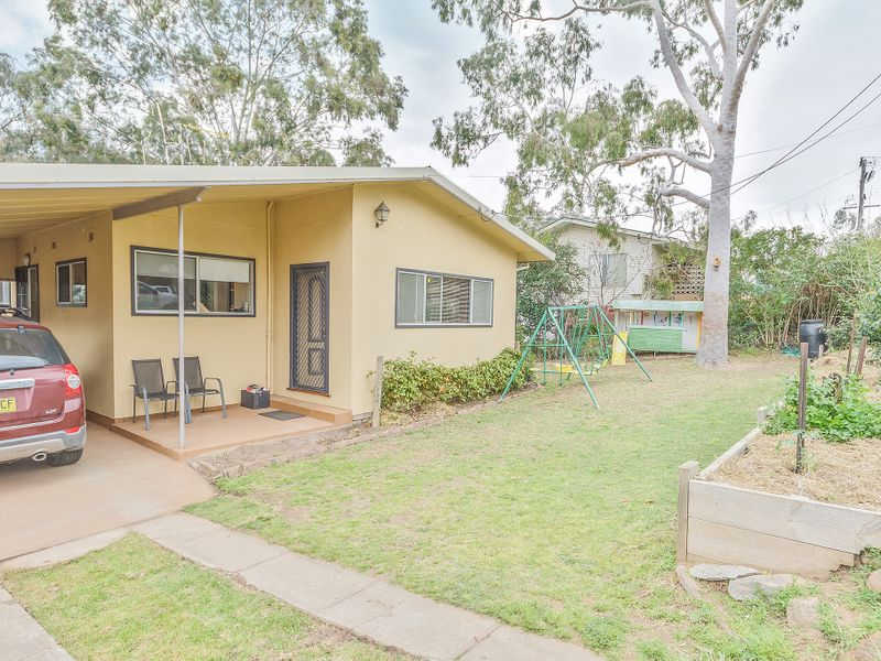 Photo of 20 Henderson Street COWRA, NSW 2794