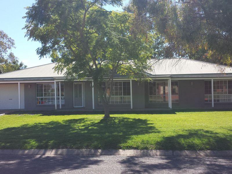 Photo of 11 Loren Avenue MOREE, NSW 2400