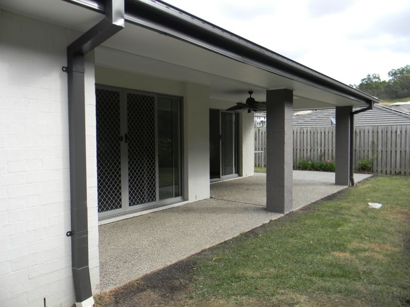 Picture of 33 Heatherdale Drive, Upper Coomera