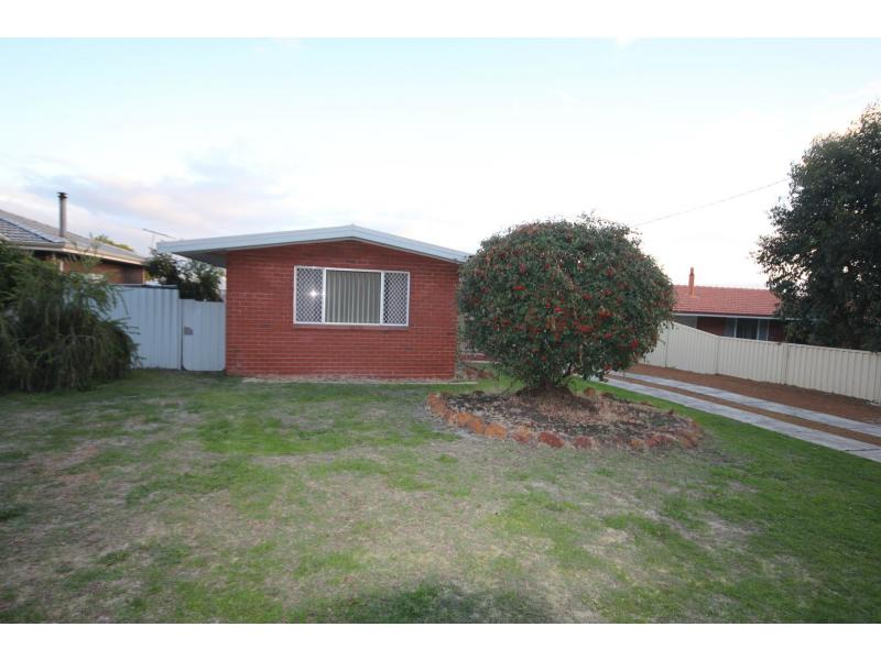 Picture of 33 Elouera Street, Collie
