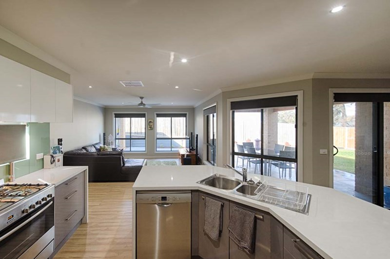Photo of 33 Harley  Terrace Strathdale, VIC 3550