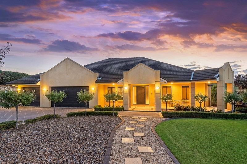 Photo of 1 Hermitage Court ORCHARD HILLS, NSW 2748