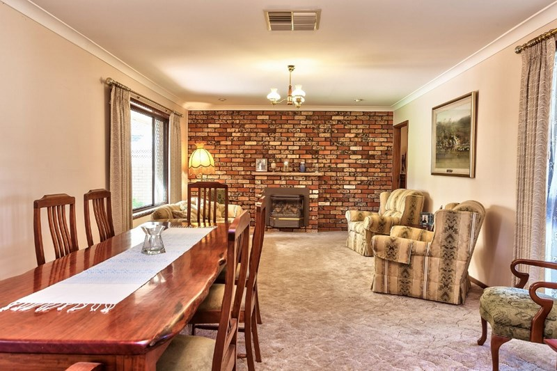 Photo of 10 Northern View Drive West Albury, NSW 2640