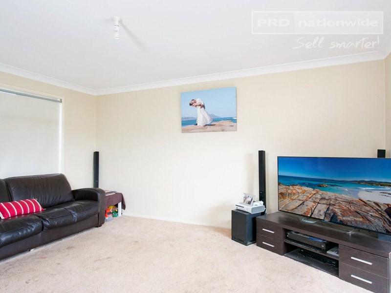 Photo of 14 Kaldari Drive GLENFIELD PARK, NSW 2650