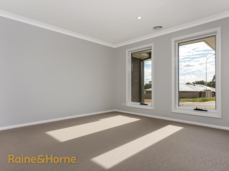 Photo of 24 Charlton Street BOOROOMA, NSW 2650