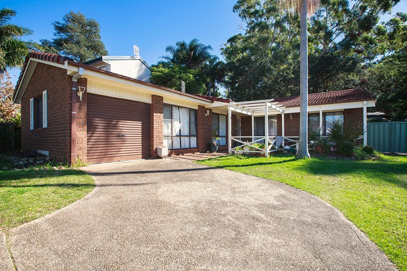 Photo of 48 Oxley Crescent Mollymook, NSW 2539