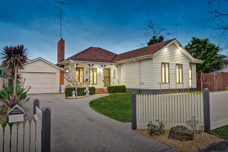 Picture of 13 Mangan Street, Bulleen