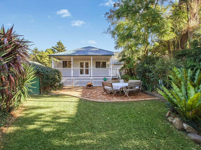 Photo of 1 High Street WOONONA, NSW 2517