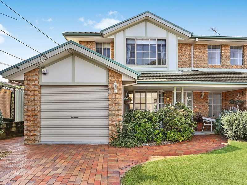 Picture of 19 Grey Gum Road, Mount Colah