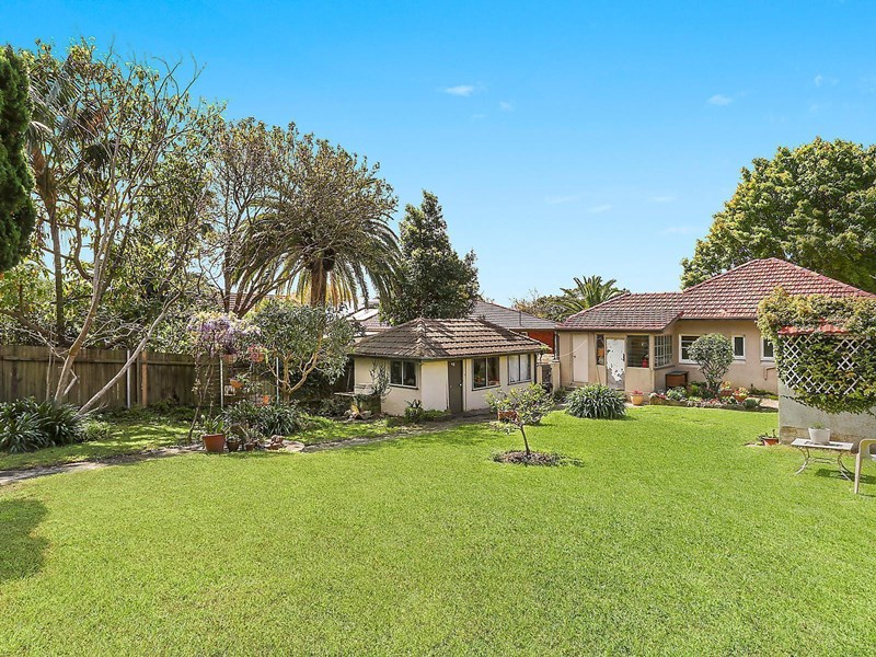 Photo of 25 Frenchs Forest Road Seaforth, NSW 2092