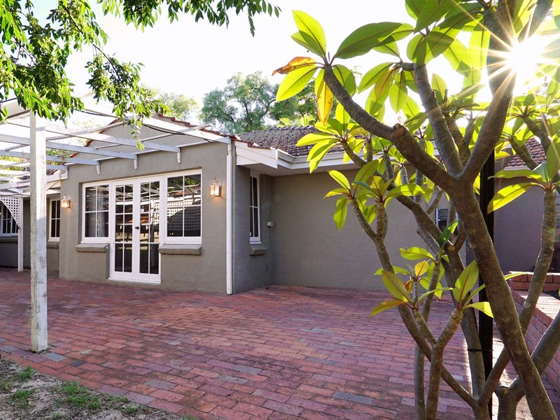 Picture of 13 Almondbury Road, Mount Lawley
