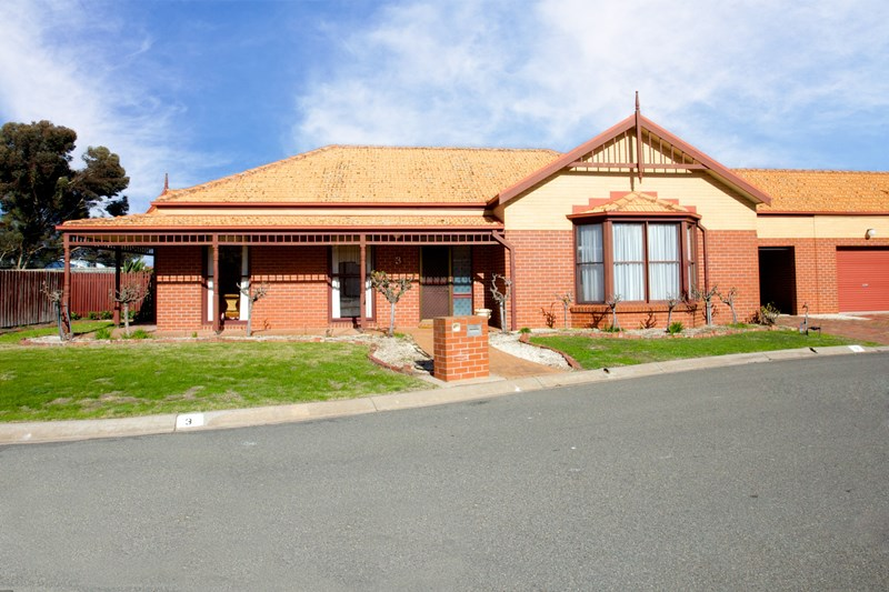 Photo of 3 Hopkins Drive HORSHAM, VIC 3400