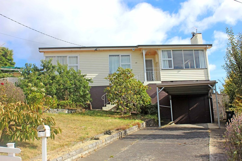 Picture of 37 Canberra Road, Claremont