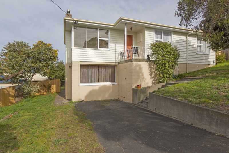Picture of 8 Asquith Court, Claremont