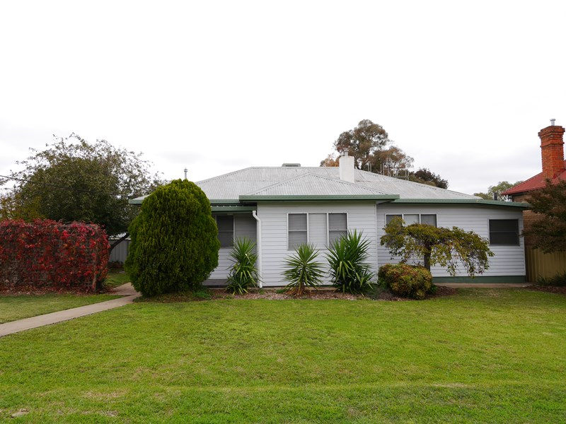 Photo of 7 Parkes COWRA, NSW 2794