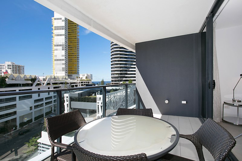 Picture of 20504 'The Oracle' 4 Charles Avenue, Broadbeach