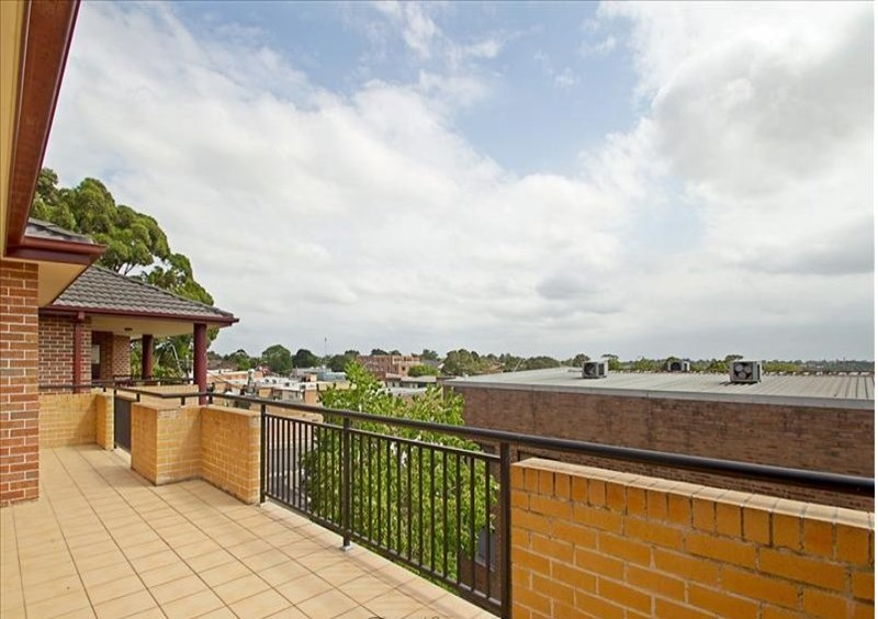Picture of 13/2-4 Cairns Street, Riverwood