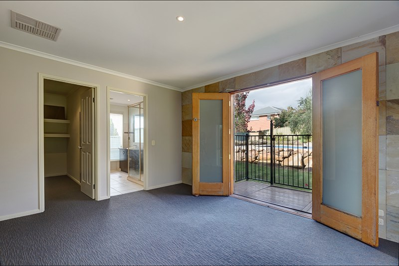 Photo of 4 Grandeur Place EAST ALBURY, NSW 2640