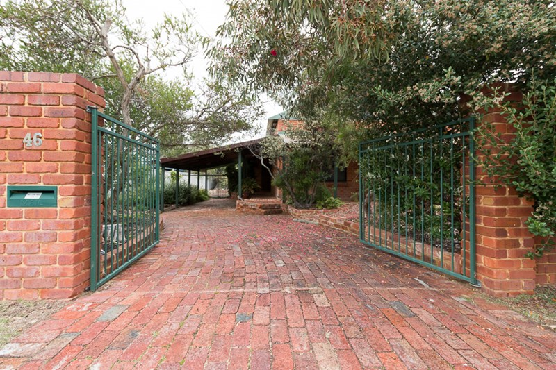 Picture of 46 Crystaluna Drive, Golden Bay