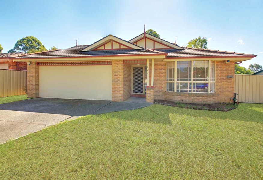 Photo of 127 Armitage Drive GLENDENNING, NSW 2761