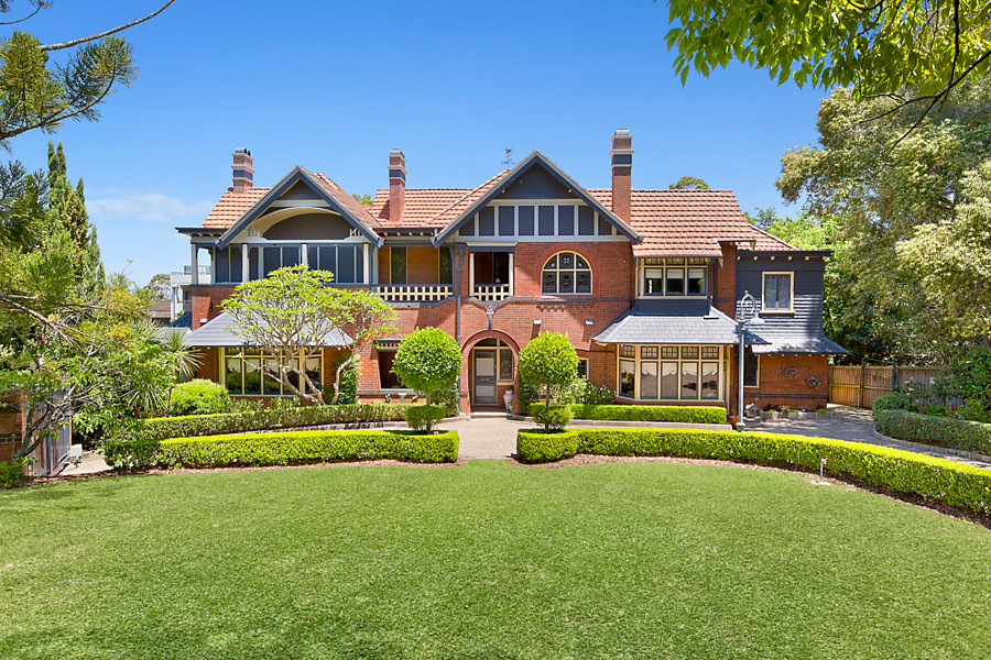 Colinroobie, 1 Clydesdale Place Pymble NSW 2073