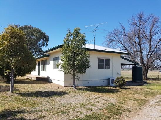 $385 pw - 5 acres/ $600 pw -40 Acres