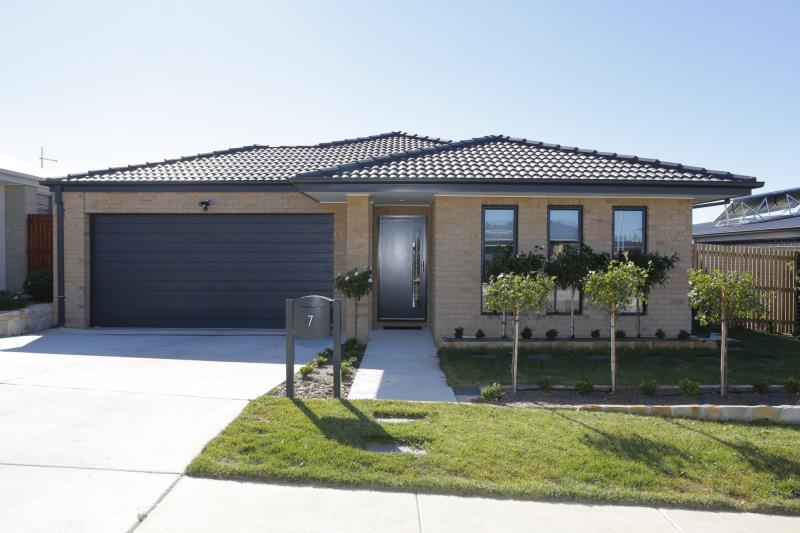 7 Haviland Street, Coombs ACT 2611, Image 0