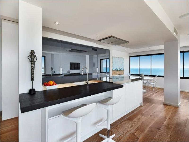 101/8 The Esplanade, St Kilda