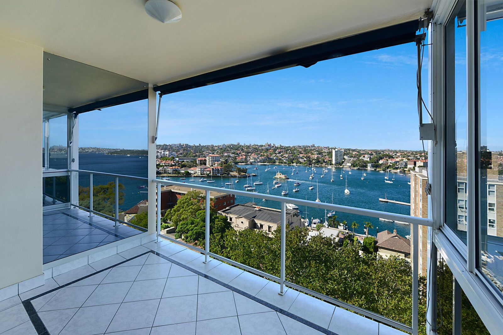 6 23 holbrook ave kirribilli nsw 2061 apartment for rent 1400 2150 for Holbrook swimming pool opening hours
