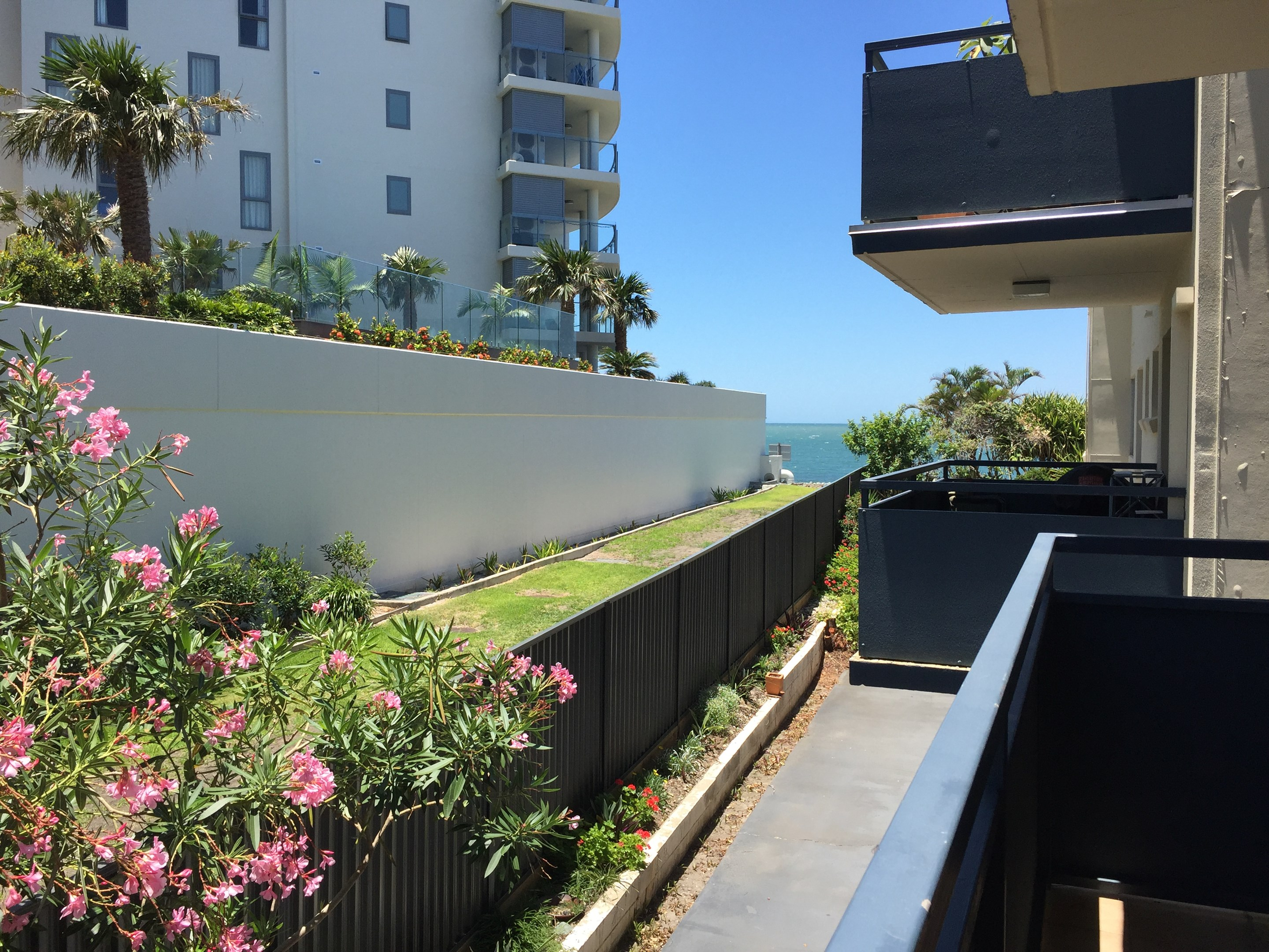 3 34 woodcliffe crescent woody point qld 4019 apartment for Woodcliffe