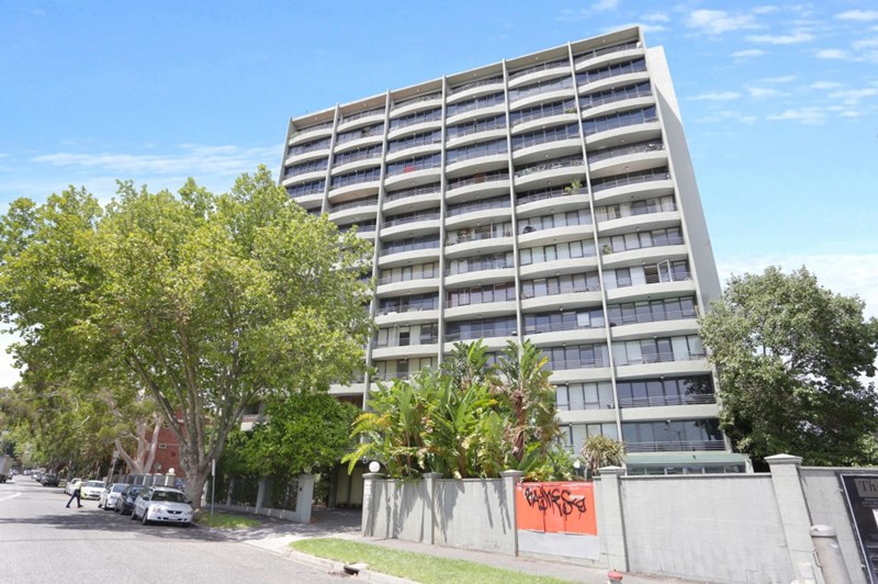 Picture of 302/81 Queens Road, Melbourne