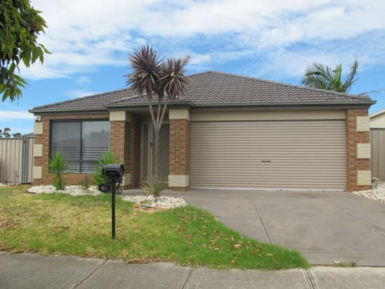 LEASED $400 P/W