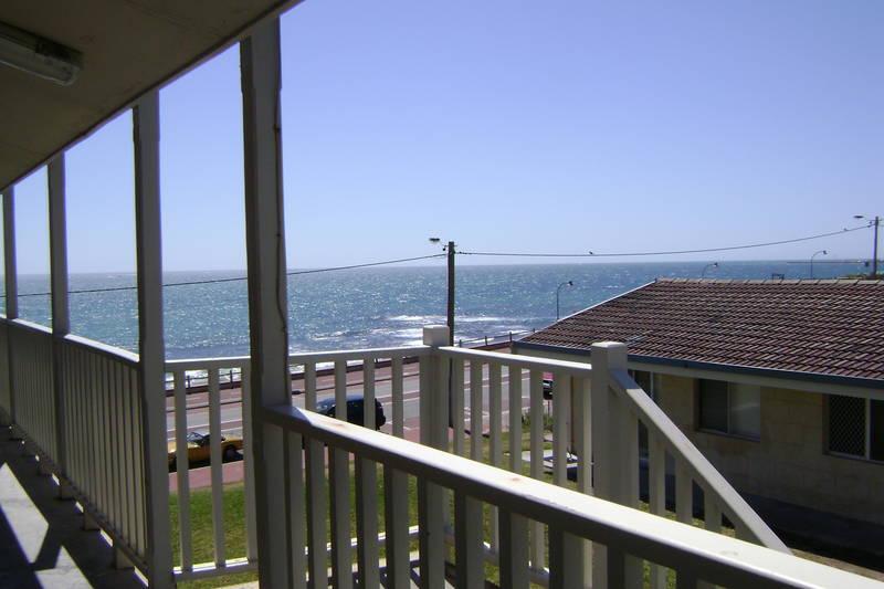 13/31 West Coast Drive, Watermans Bay
