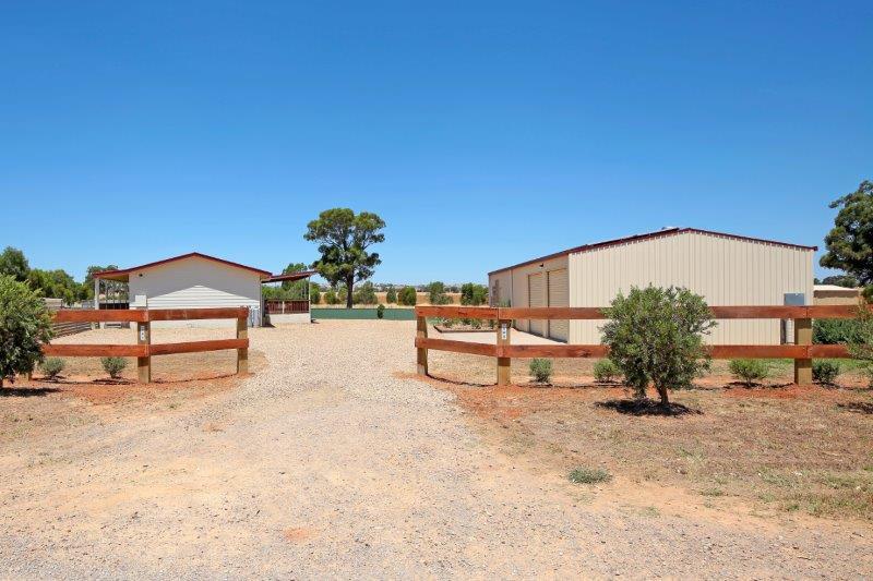 80 Wyoming Lane, Junee NSW 2663, Image 0