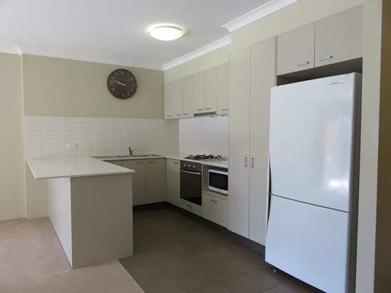 From $400 pw neg