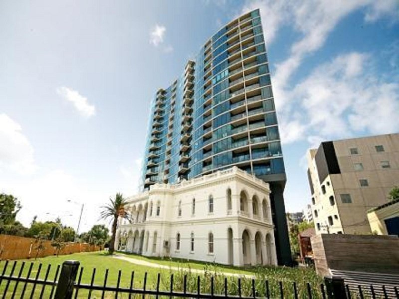 Picture of 2/83 Queens Road, Melbourne 3004