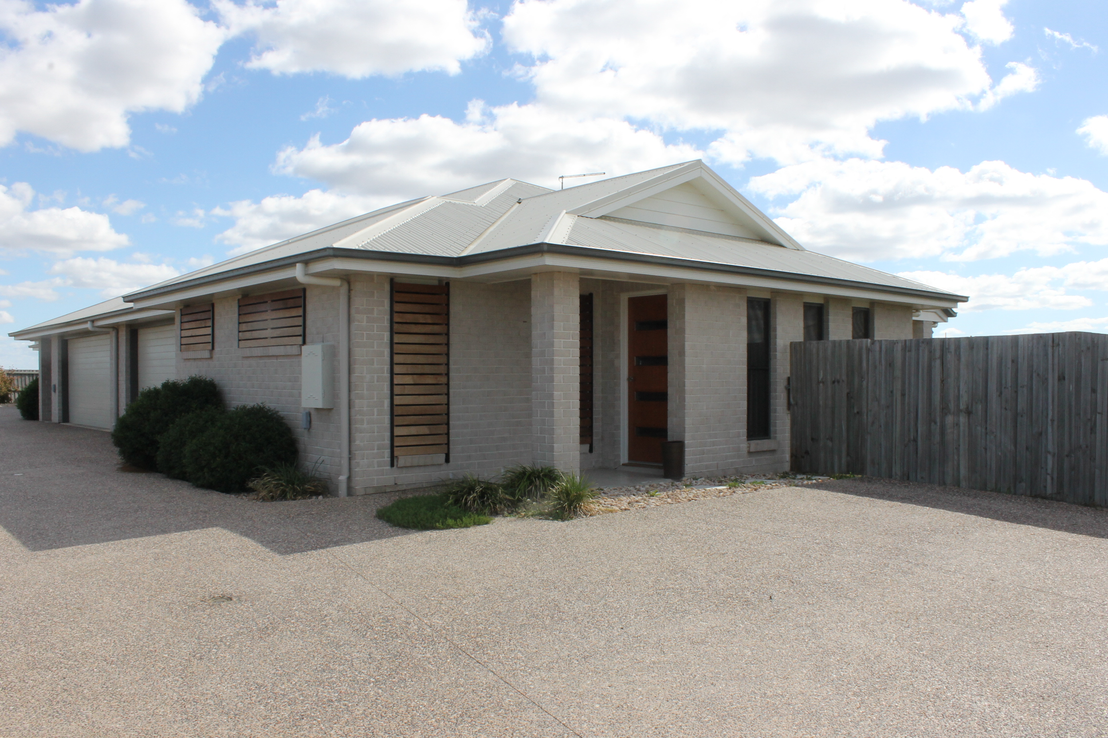 1 62 gosden drive dalby qld 4405 house for rent 250 for Garage ad nantes dalby