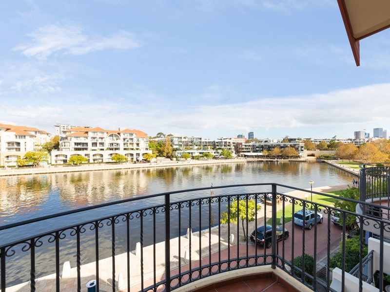Picture of 28 Henry Lawson Walk, East Perth