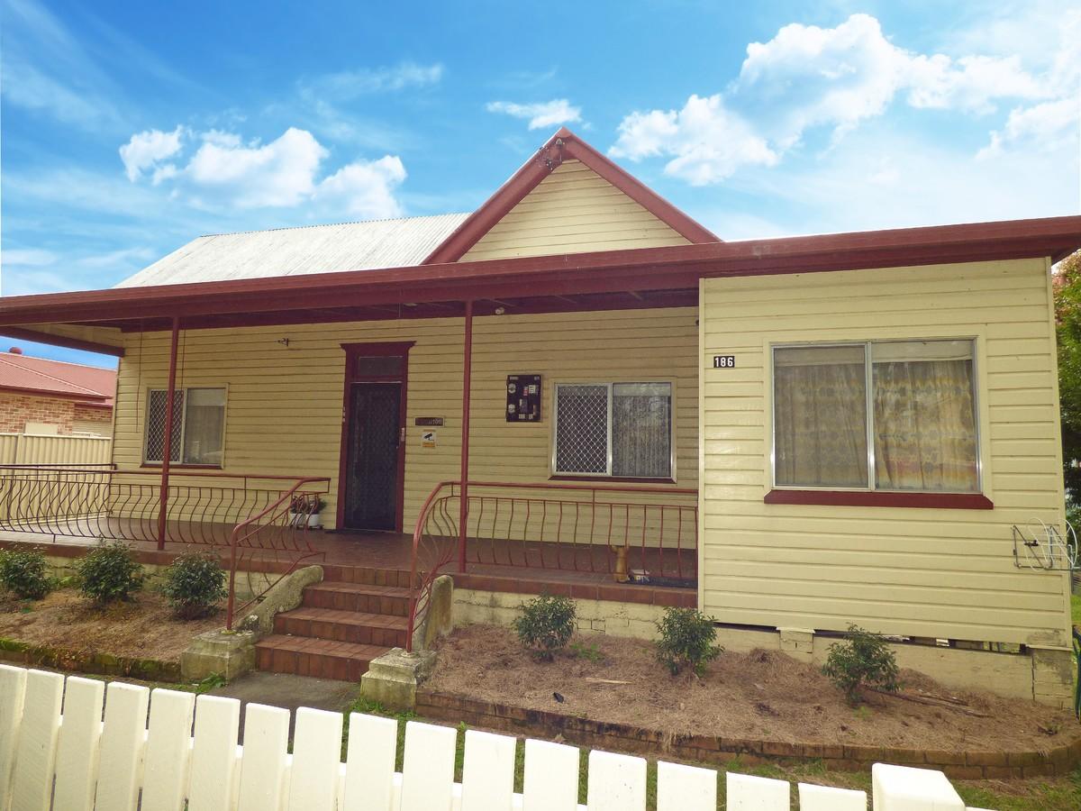 186 pound street grafton nsw 2460 house for rent 310 for Grafton house